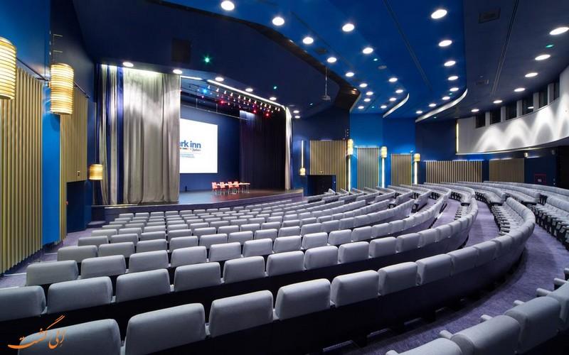 سالن کنفرانس بزرگ هتل پارکاین بای رادیسون سنت پترزبورگ