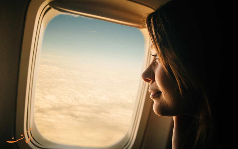 زدن ضد آفتاب در هواپیما