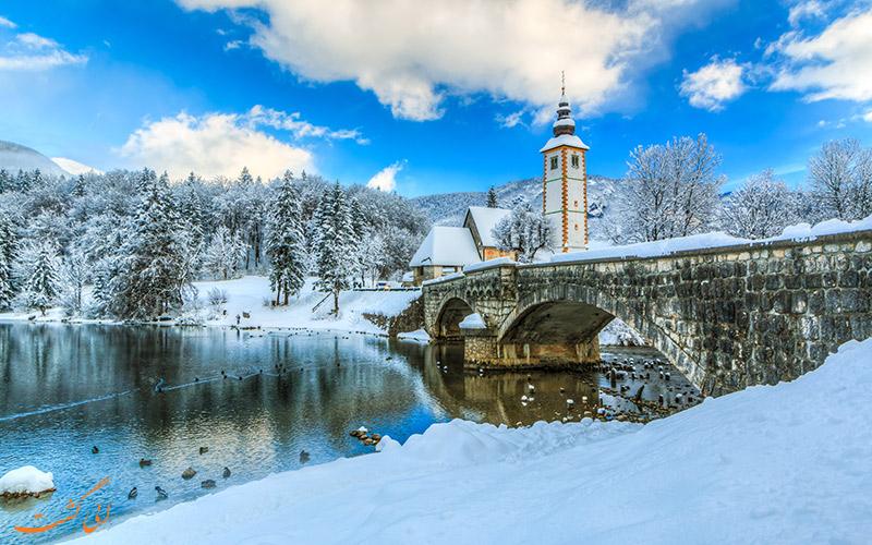 دریاچه اسلوونی در فصل زمستان