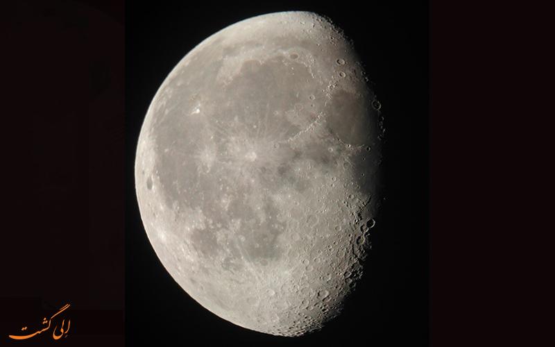 سیاره ماه