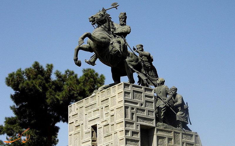 مقبره ی نادر از جاذبه های مشهد