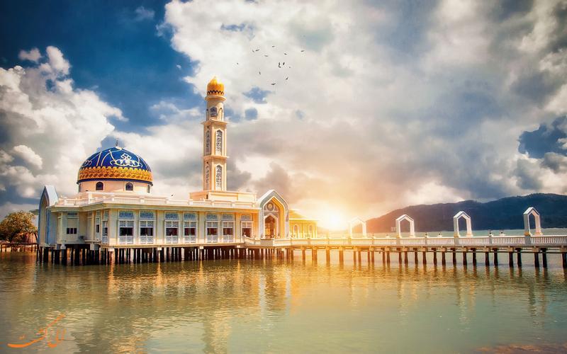 مسجد البدر در جزیره پانگکور مالزی