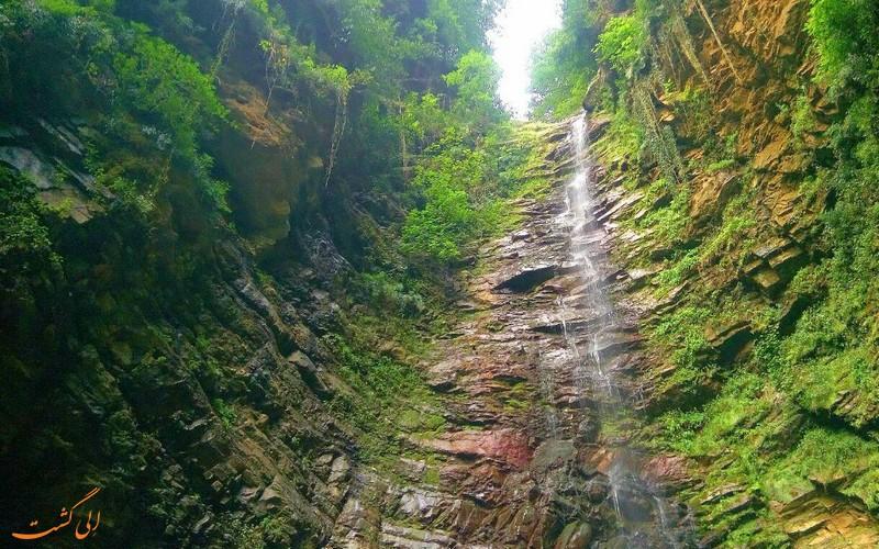 آبشار زیبای گزو