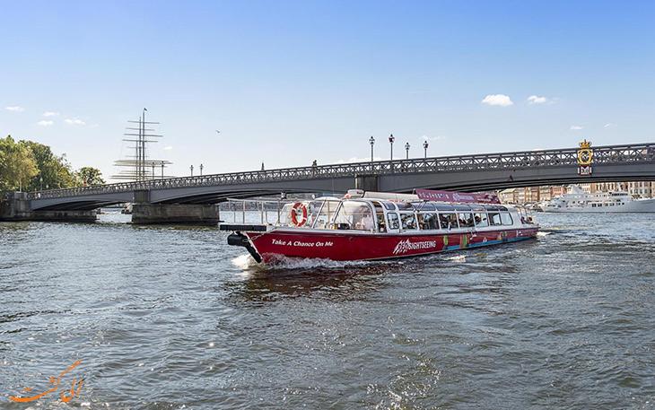 گشت و گذار با قایق در استکهلم