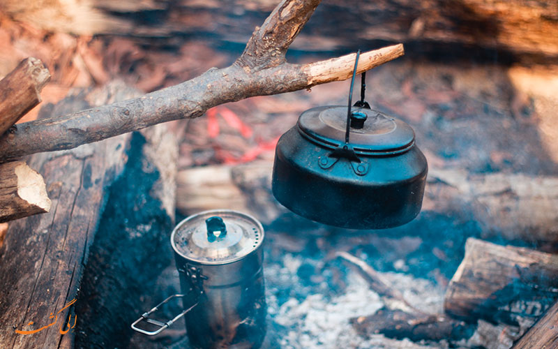 جوشاندن آب با آتش در طبیعت-سفرهای طبیعت گردی