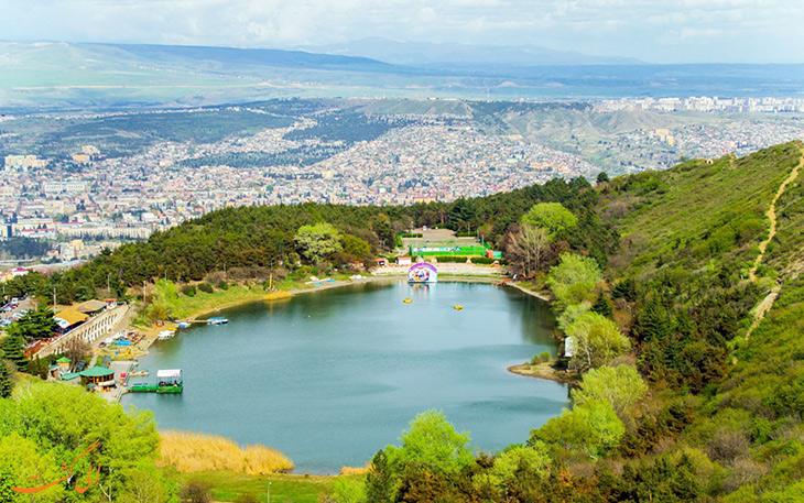 دریاچه لاک پشت تفلیس
