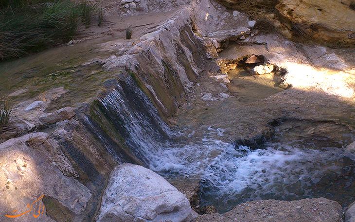 چشمه های روستای بناب در هرمزگان