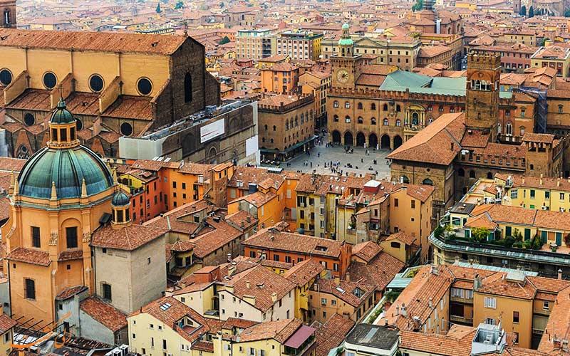شهر بلونیا در ایتالیا