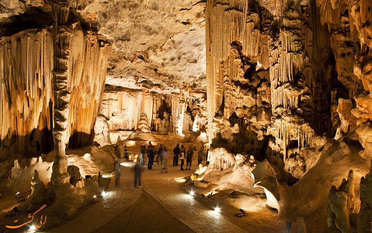 غارهای کانگو کیپ تاون