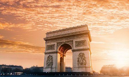 گردش در پاریس