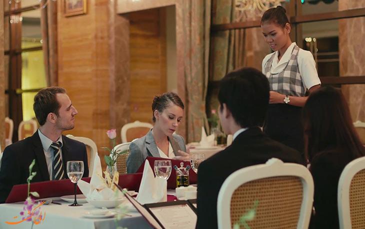 سفارش غذا در رستوران