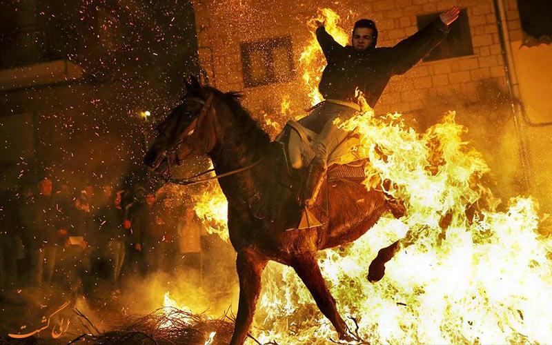 انجام کارهای حسرت انگیز با اسب در اسپانیا