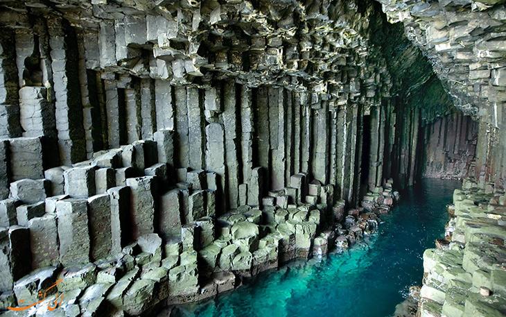 غار فینگال