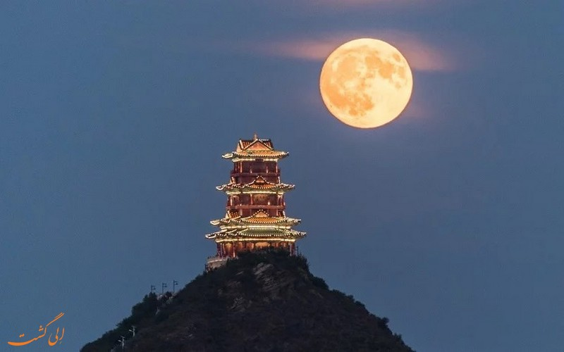 نصب یک ماه مصنوعی در کشور چین