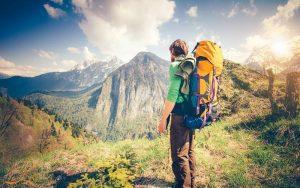 چرا هرکسی حداقل یک بار باید سفرهای ماجراجویانه را تجربه کند؟