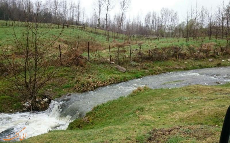 عکس های کلاردشت و رودخانه ای در دل دشت سرسبز