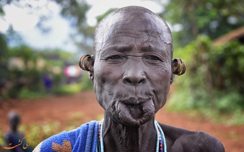 قبیله-سورما-اتیوپی-رئیس قبیله