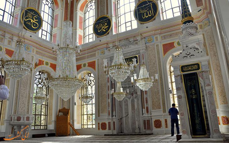 نمای داخلی مسجد اورتاکوی در استانبول