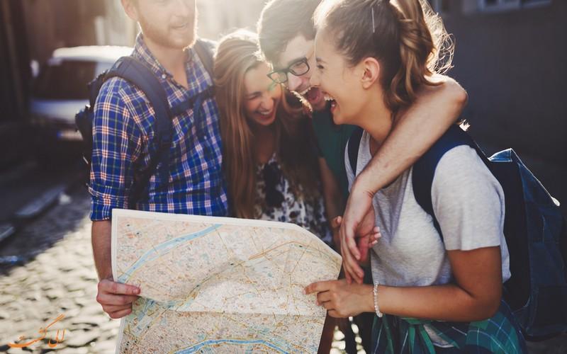 شبکه های اجتماعی در سفر دوستانه