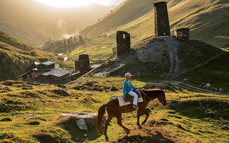 سفر به سوانتی و مستیا-اسب سواری