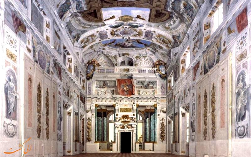 کاخ داگز ونیز-درون بنا