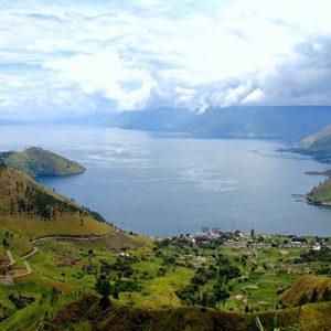 دریاچه توبا در اندونزی