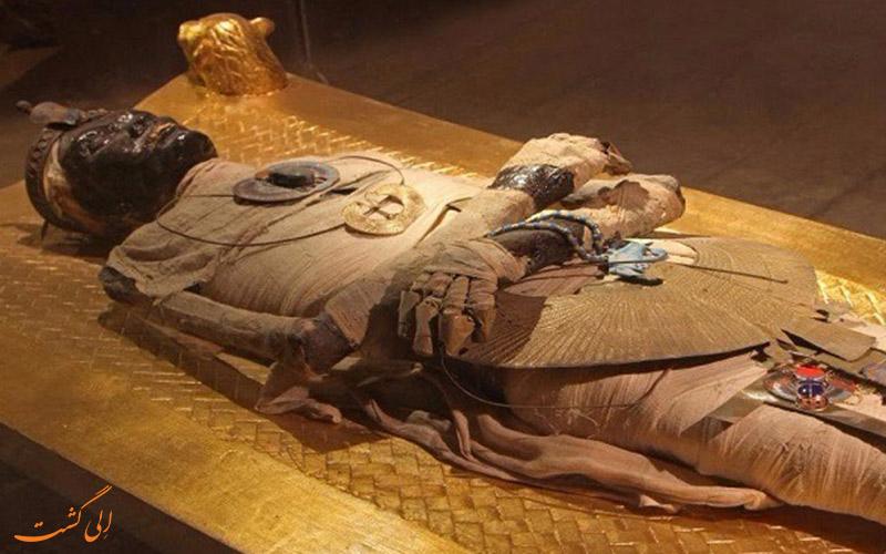 فرعون مشهور مصری