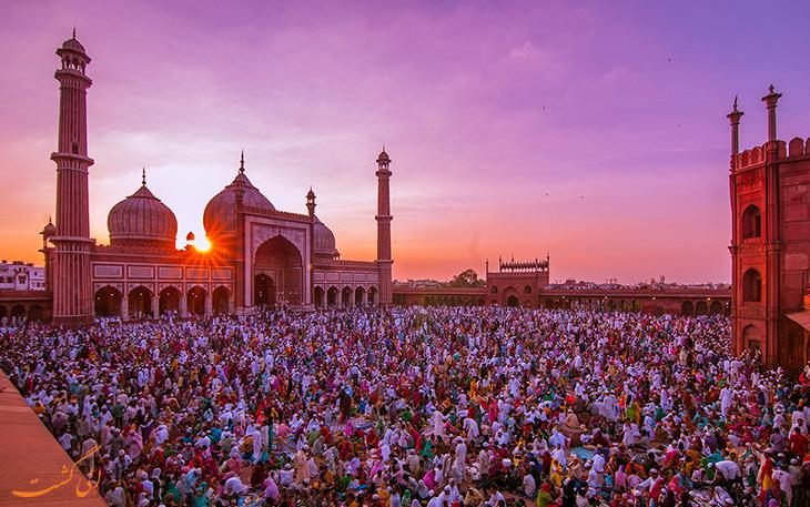 نمازگزاران در مسجد جامع دهلی