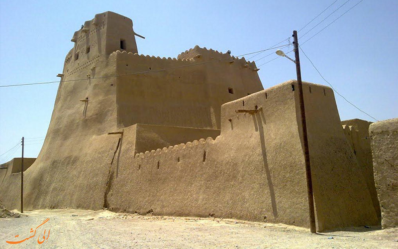 دسترسی به قلعه سیب سراوان