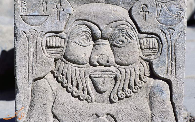 صورتک زبان دراز از عایب دنیای باستان