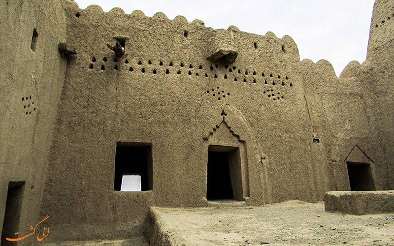 مشخصات معماری قلعه سیب سراوان سیستان