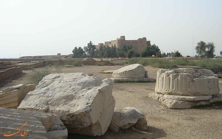 پایه ستون های کاخ آپادانا