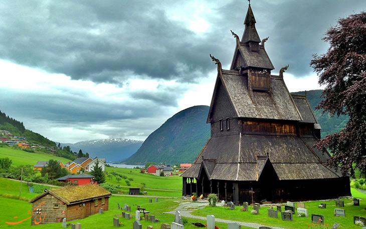 کلیسای چوبی هوپرستاد