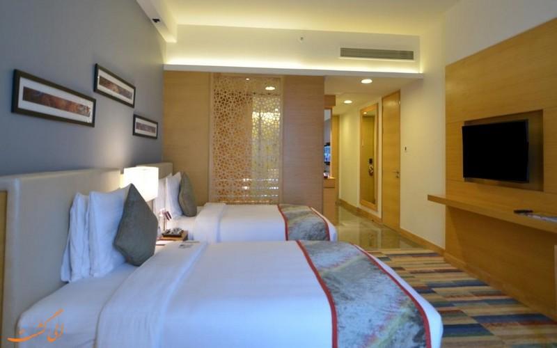هتل 5 ستاره کرون پلازا