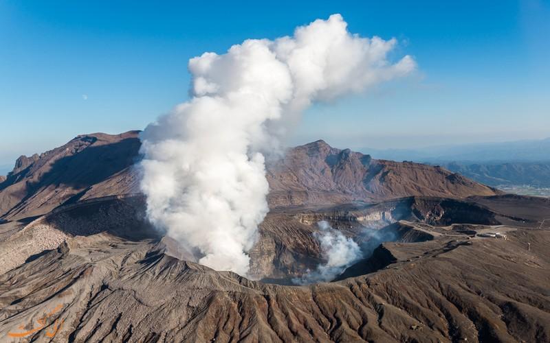 کوه آتشفشان آسو