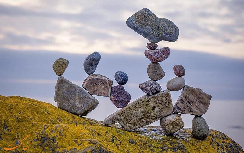 هنر تعادل سنگ ها