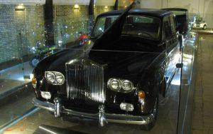 موزه ی خودرو کاخ نیاوران، جایی که زمان در آن برای ماشین ها متوقف شده است!