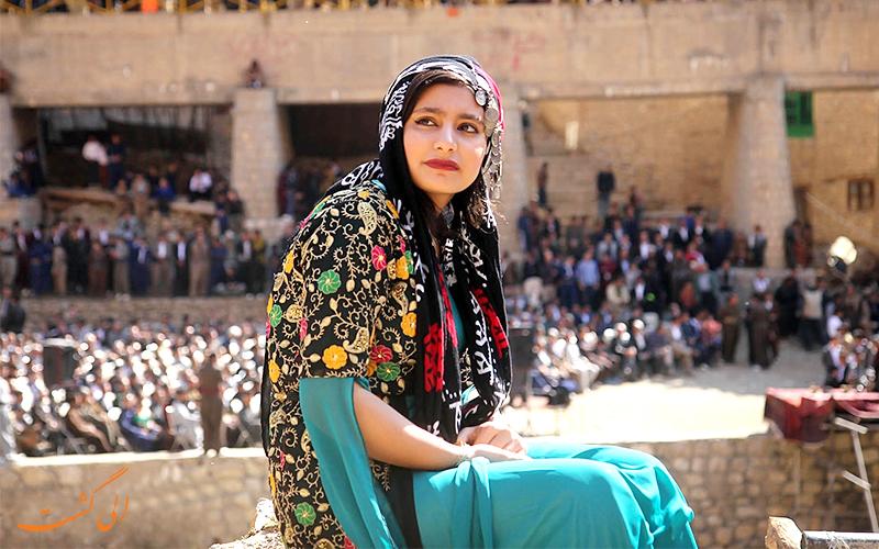 لباس زنان در لباس های محلی کردی