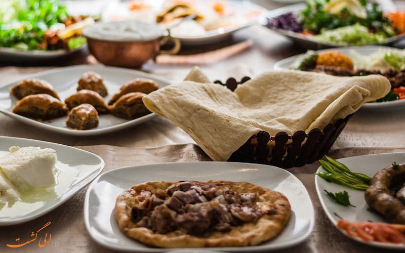 رستوران و کافه های کاج هتل استانبول
