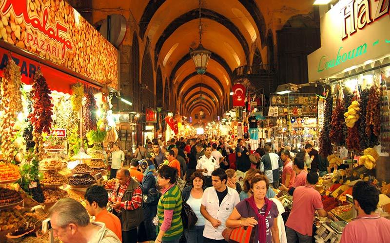 بهترین زمان سفر به ترکیه-بازار ادویه استانبول