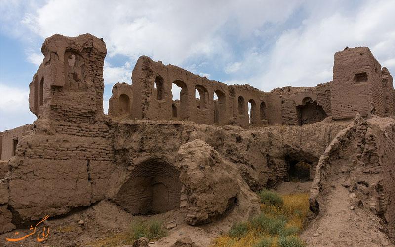قلعه-لک-لک-آشيان-جاذبه هاي نيشابور