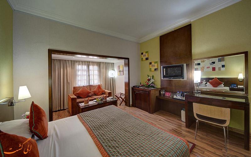 اتاق با تخت کینگ در هتل اسکوت دبی