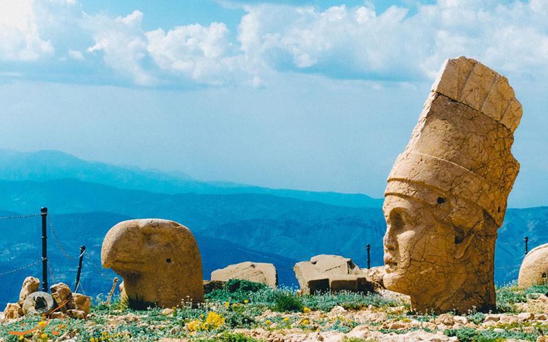 تراس شرقی کوه نمرود ترکیه