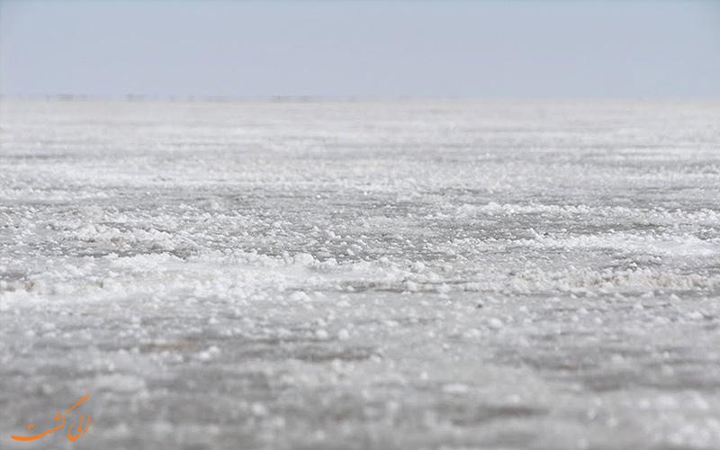 جزیره های دریاچه آران و بیدگل