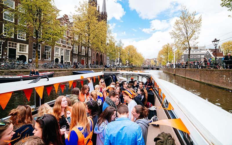 حمل و نقل با قایق در روز پادشاهی هلند