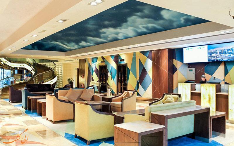 لابی رنگارنگ هتل رین تری دبی
