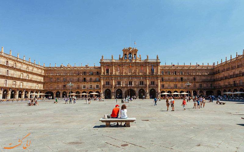 میدان پلازا مایور در شهر سالامانکا اسپانیا-نکات سفر به اسپانیا