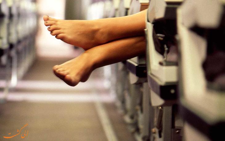 بدون کفش سوار هواپیما نشوید