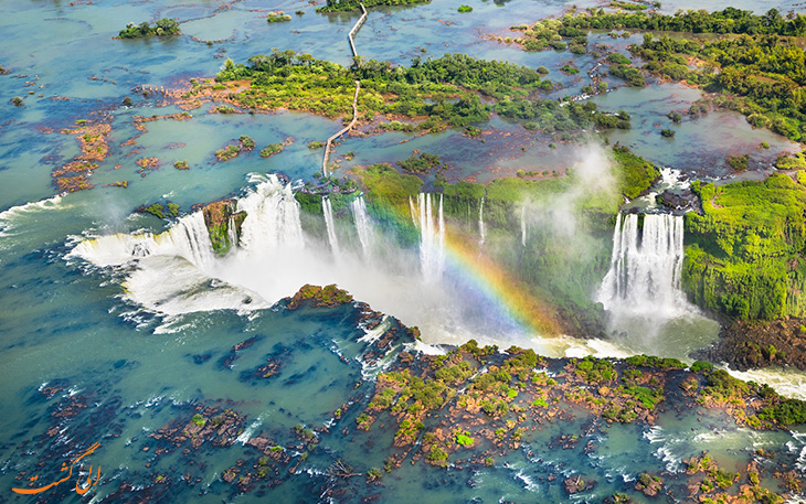 هلیکوپتر در آبشارهای ایگوازو
