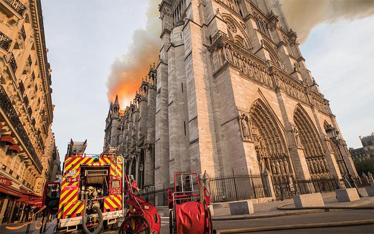 تصاویر آتش سوزی کلیسای نوتردام